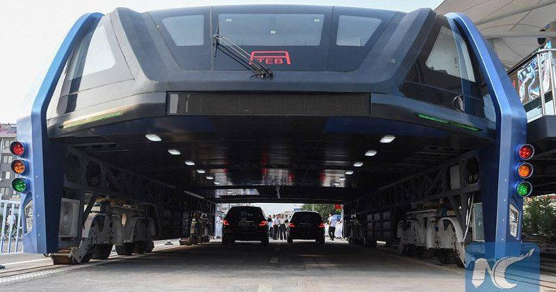 China's elevated bus gets tested, cars can pass underneath