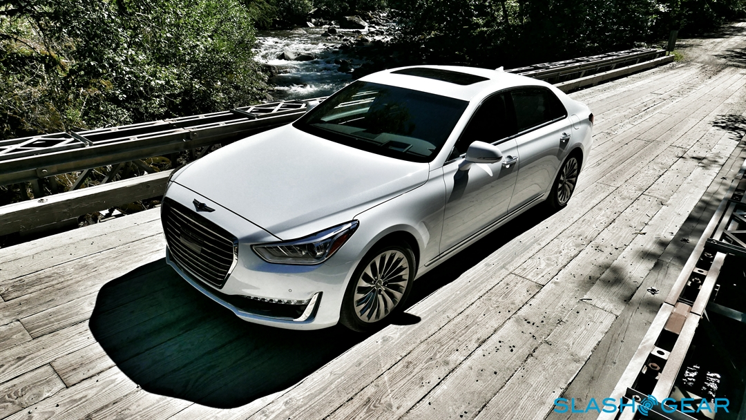 2017-Genesis-G90-review-photo-SlashGear00004