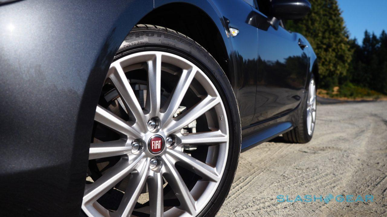 2017-fiat-124-spider-review-18
