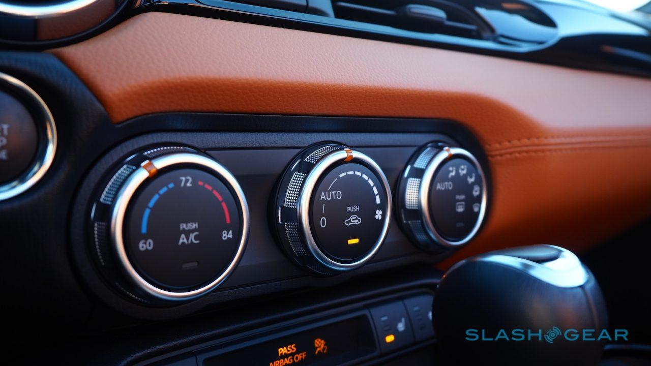 2017-fiat-124-spider-review-8