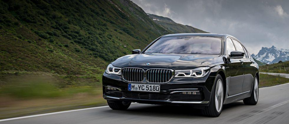 2017 BMW 740e goes green(ish) with plug-in hybrid