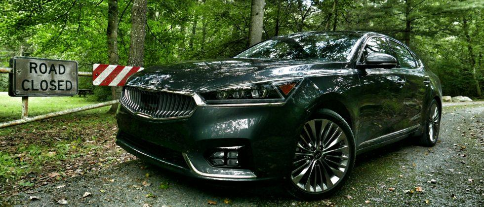 2017 Kia Cadenza First Drive: Big car, small market