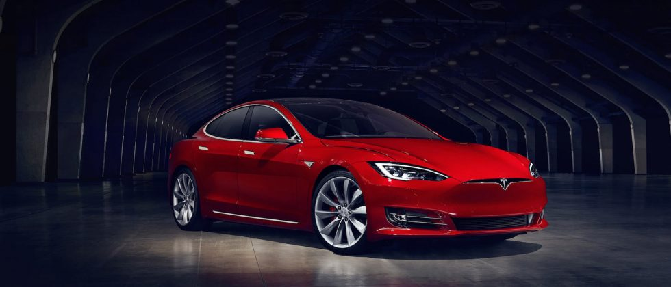 New Tesla Model S P100D Ludicrous hits 0-60 in 2.5s