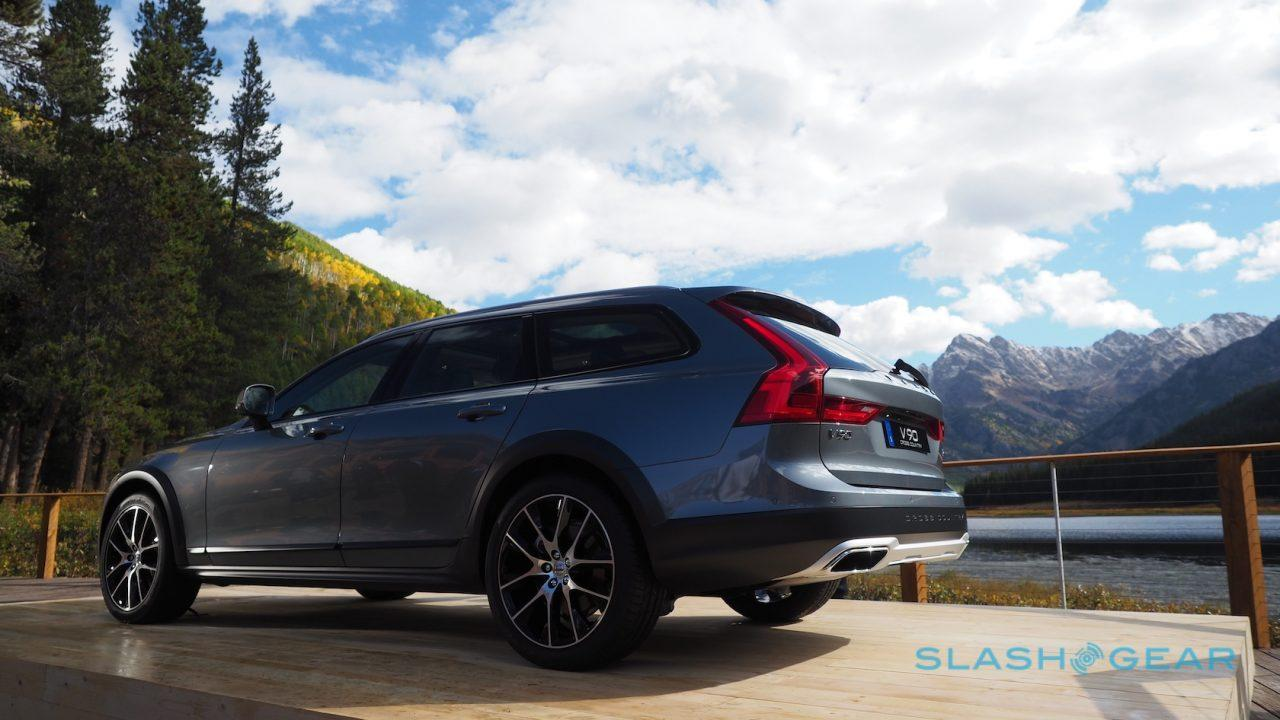 2017-volvo-v90-cross-country-12
