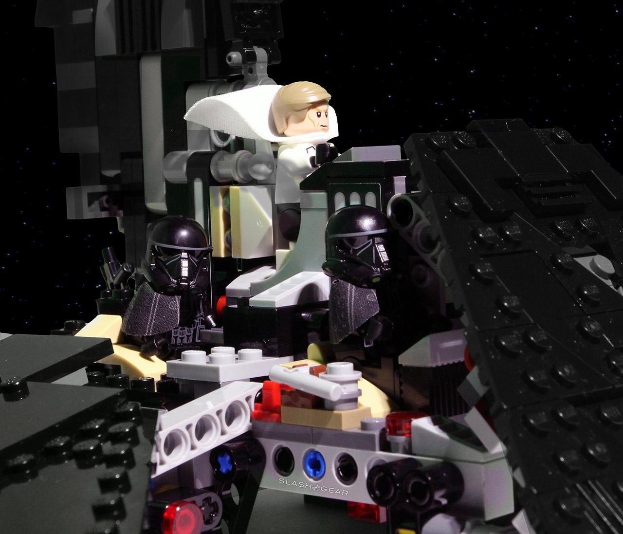 lego_shuttle_crew
