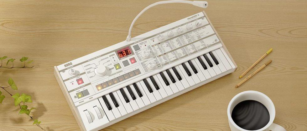 Korg MicroKorg S synthesizer is ready to jam