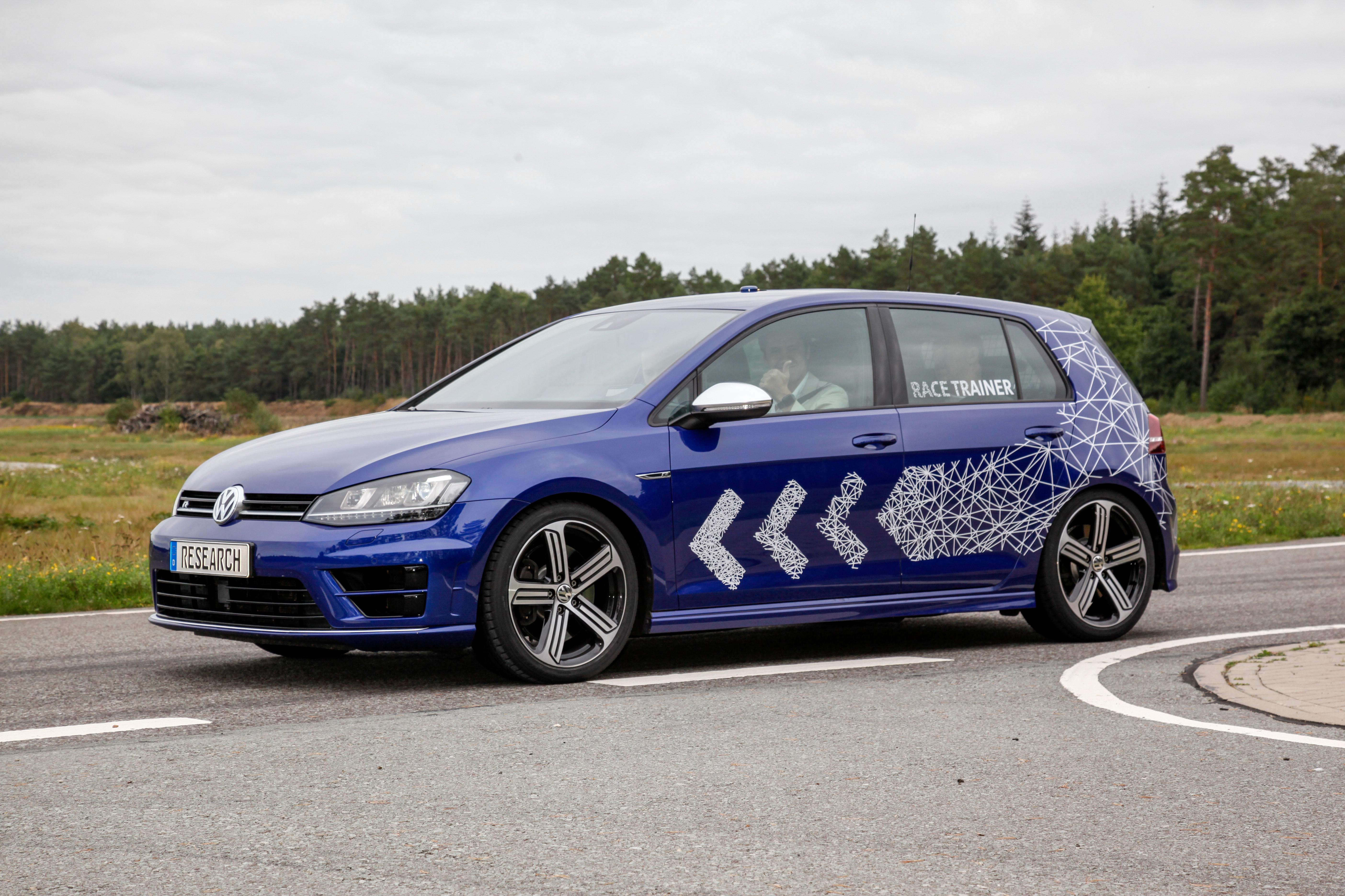 VW Race Trainer Golf R