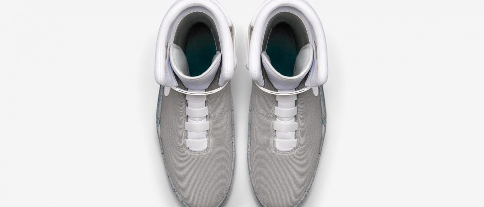 NIKE Air Mag 2016 with power laces