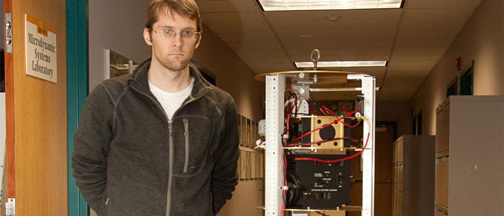 SIMbot uses a spherical induction motor and magnetic currents to get around