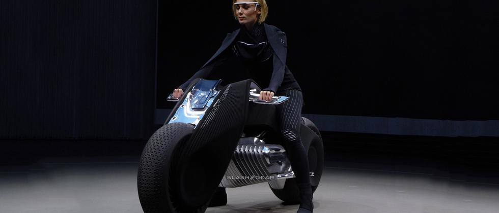 BMW Motorrad VISION NEXT 100 motorcycle : no helmet needed