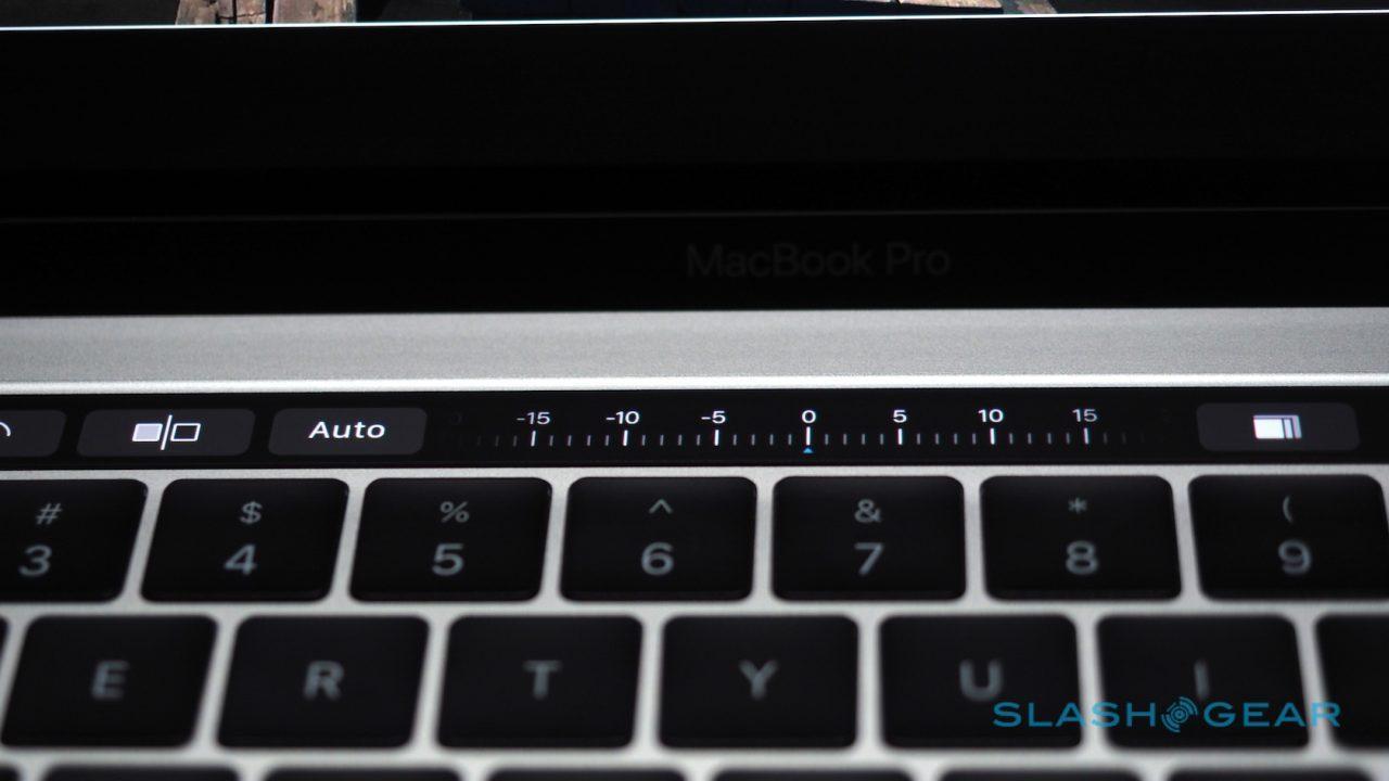 new-macbook-pro-hands-on-19