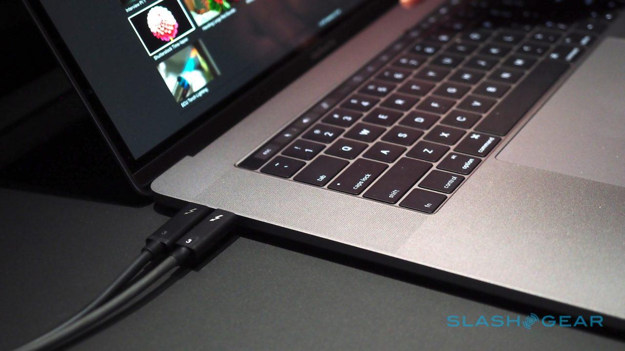 new-macbook-pro-hands-on-41