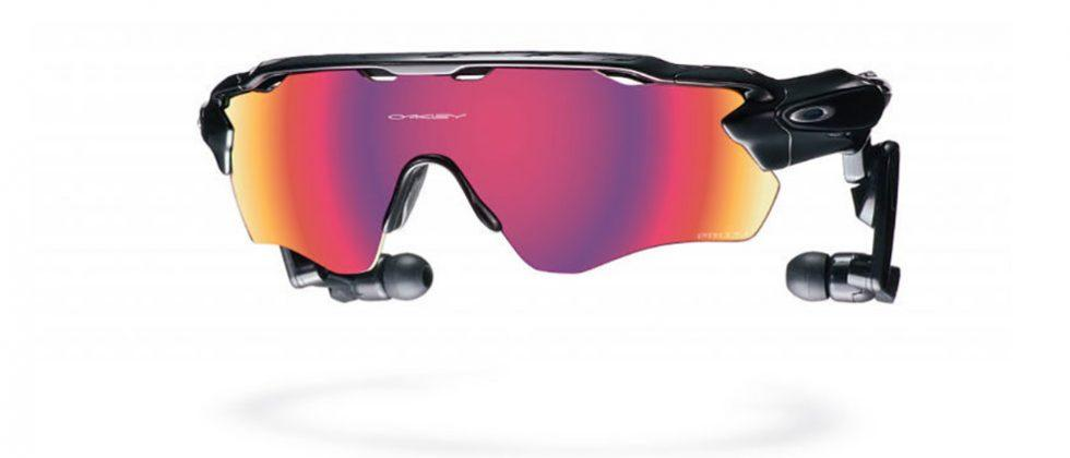 Oakley Radar Pace uses Intel tech to coach athletes in real-time