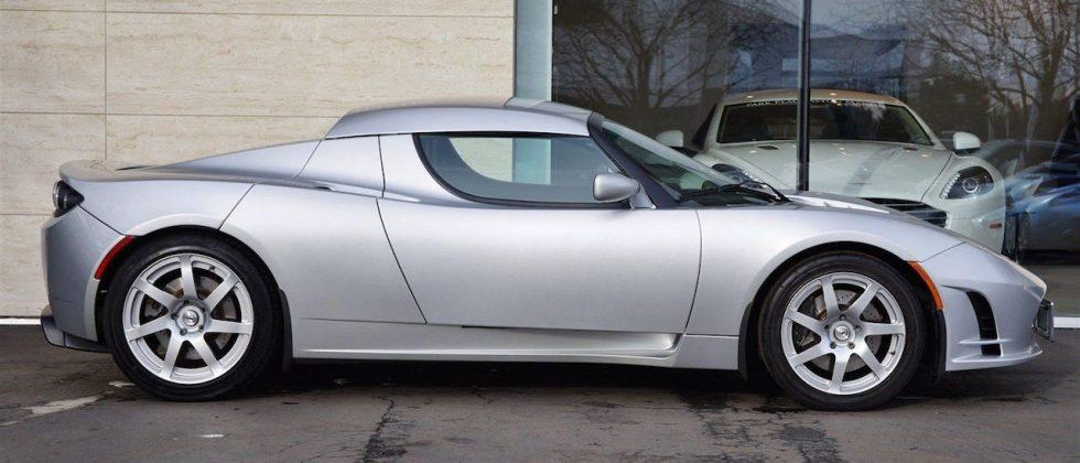 2008 Tesla Roadster prototype being auctioned with $1M starting price