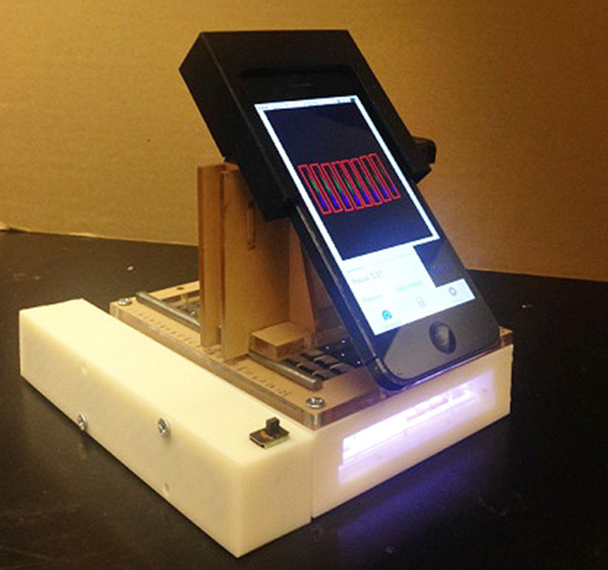 Researchers use iPhone to develop mobile cancer detection lab
