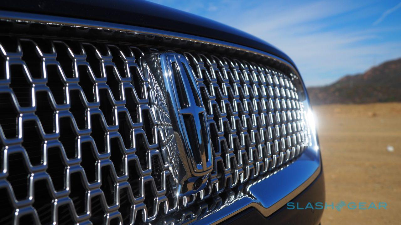 2017-lincoln-continental-first-drive-13