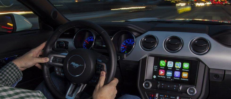 The government wants to cripple your phone while driving
