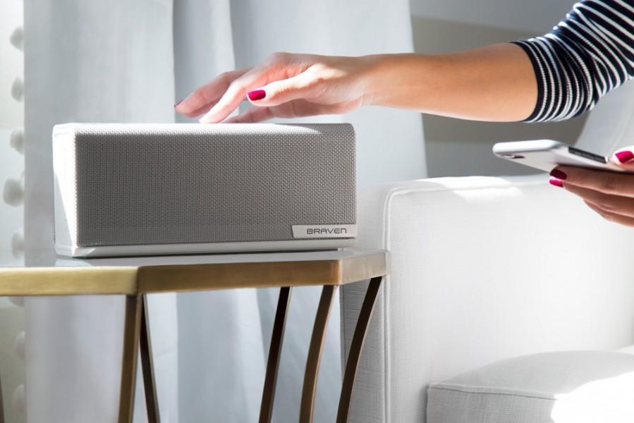 Braven 1100 2200m 2300 wireless speakers bring premium home slashgear - Biosfera the passive house that fits anywhere ...