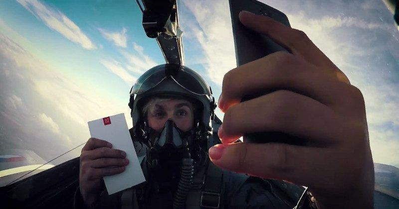 OnePlus 3T unboxed to the extreme inside a fighter jet