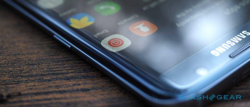 Samsung mulls massive split