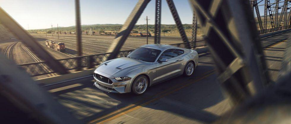 2018 Ford Mustang puts customization front, center, and inside