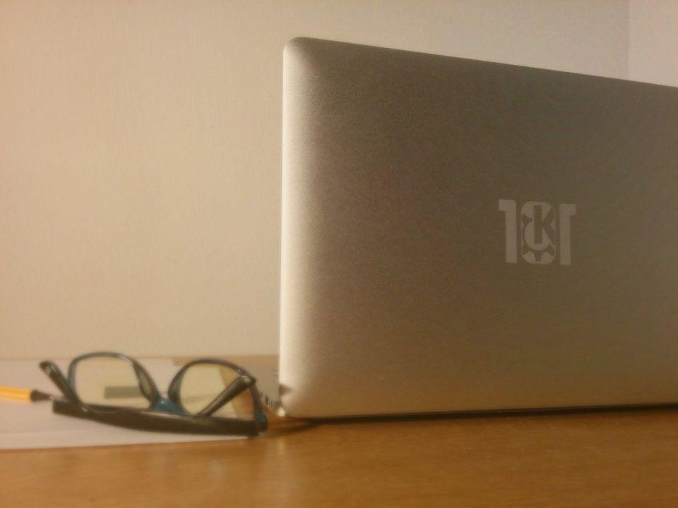 This $800 MacBook Air clone wants to be the Nexus of Linux