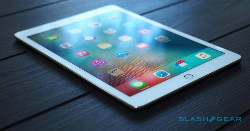 iPad Pro 2 release likely joined by 2 more slates