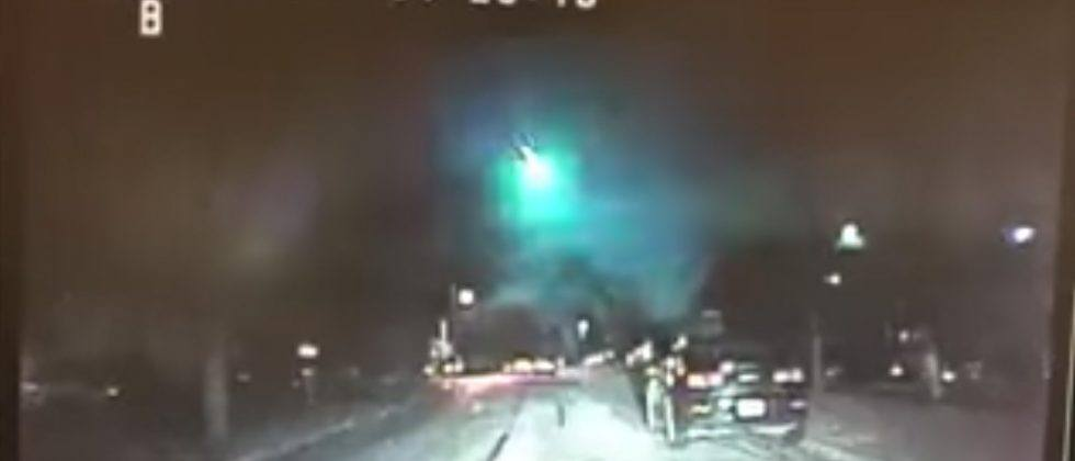 Big green fireball caught on video streaking through Midwest sky