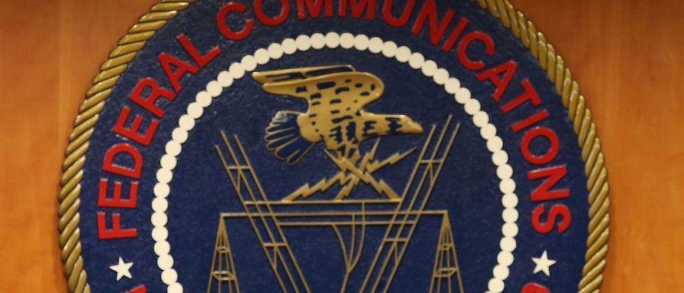 FCC drops net neutrality investigations into AT&T, Verizon