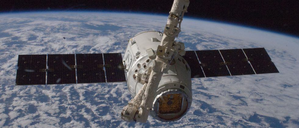 SpaceX Dragon capsule successfully docks with International Space Station