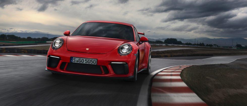 2018 Porsche 911 GT3 pleases purists with stick shift option