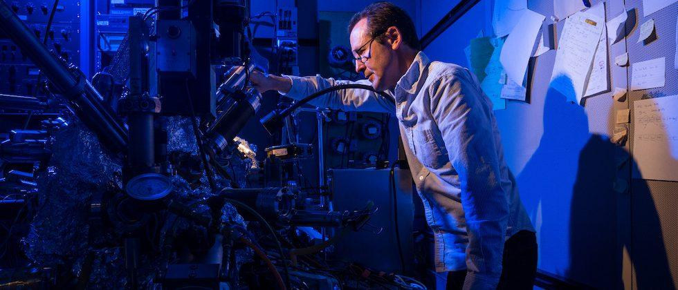 IBM turns an atom into a nano-scale hard drive