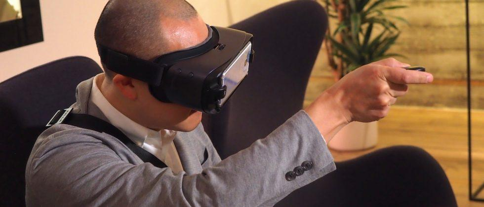 Samsung Gear VR with Controller hands-on: S8 gets a 3DoF remote