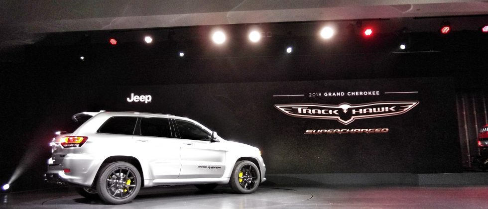 2018 Jeep Grand Cherokee SRT Trackhawk SUV hits 180-mph on stage in New York