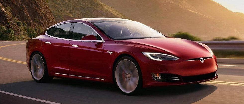Tesla rolls out automatic emergency braking for AP2 cars