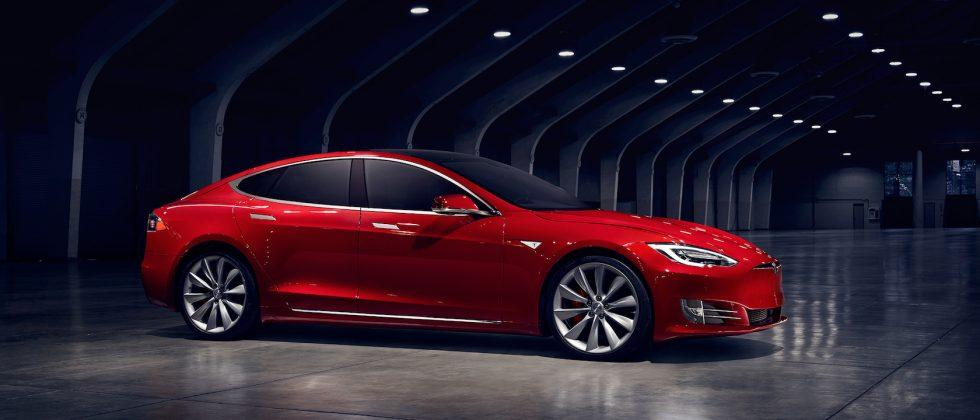 Tesla drops price on 75kWh Model S, upgrades for 60kWh batteries