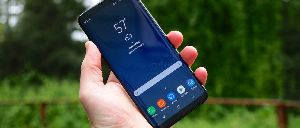 Galaxy S8 gets red tint fix, Samsung insists it's not a bug
