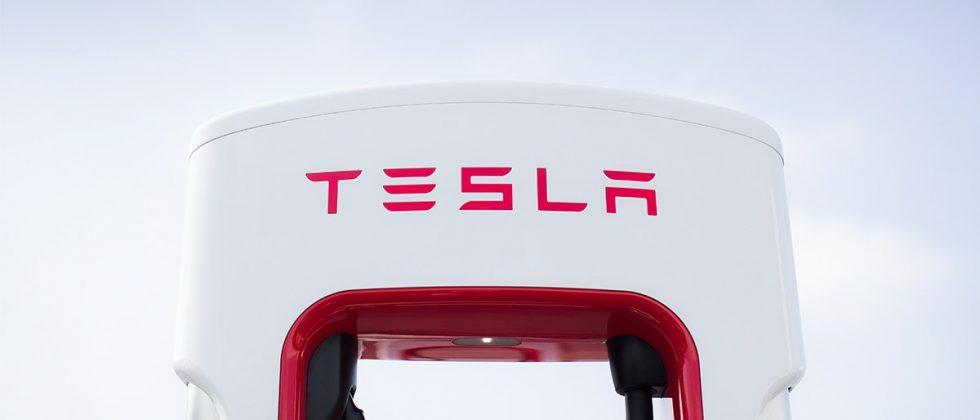Tesla's electric semi truck will be revealed in September