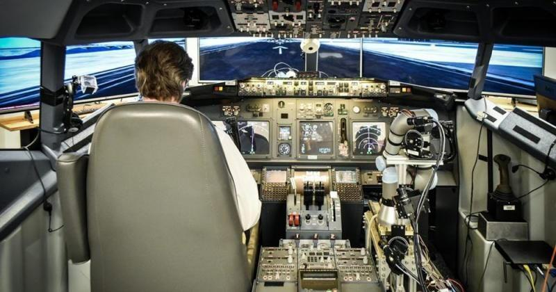 A robot just landed a Boeing 737, in a simulator of course