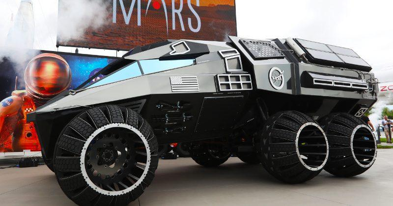 Mars Rover Concept looks more like a sci-fi armored van