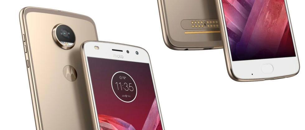Motorola's back with Moto Z2 Play, a new Verizon phone