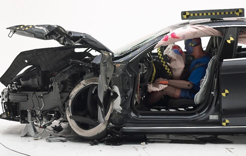 Tesla Model S again fails to earn Top Safety Pick+ grade