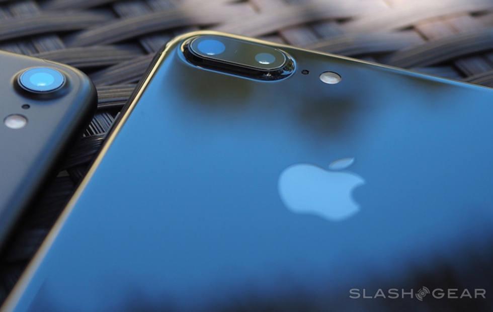 Vic Gundotra, former Google SVP, praises the iPhone camera