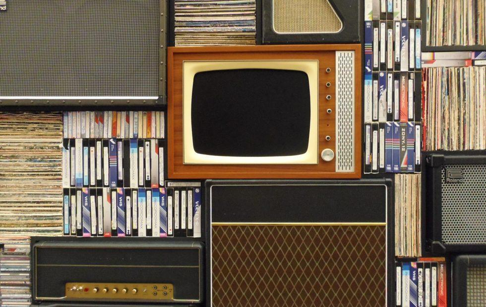 The number of American homes without a TV is growing