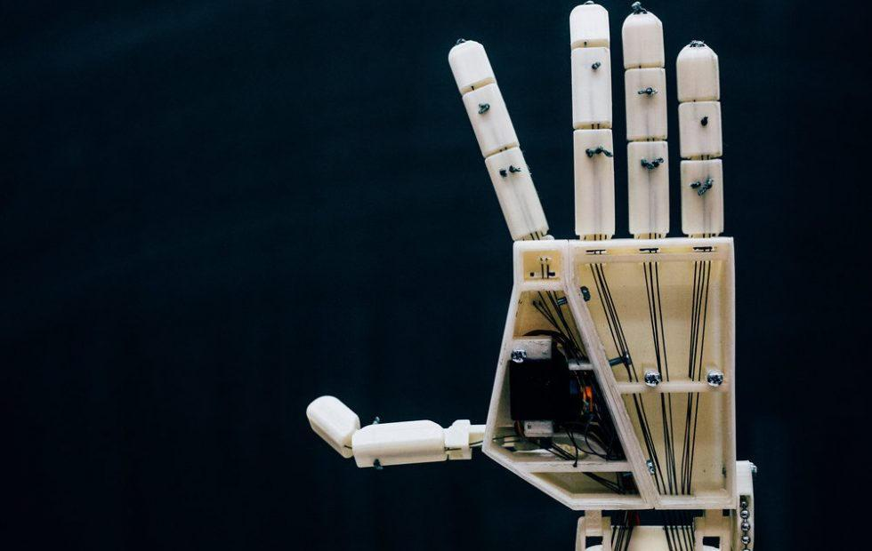 Students develop robotic arm that specializes in sign language