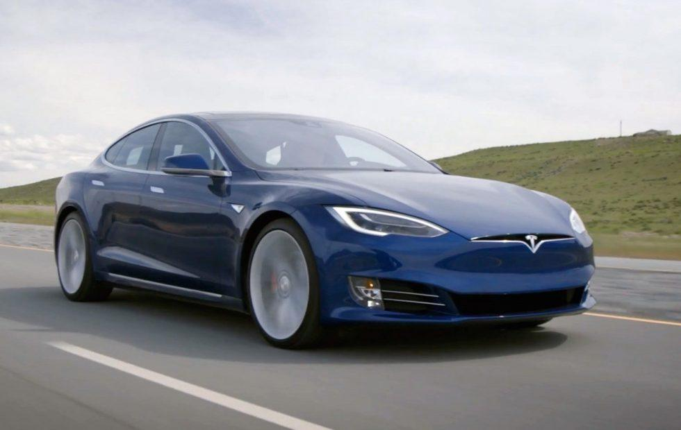 Tesla driver breaks 1,000km-single charge long distance EV record