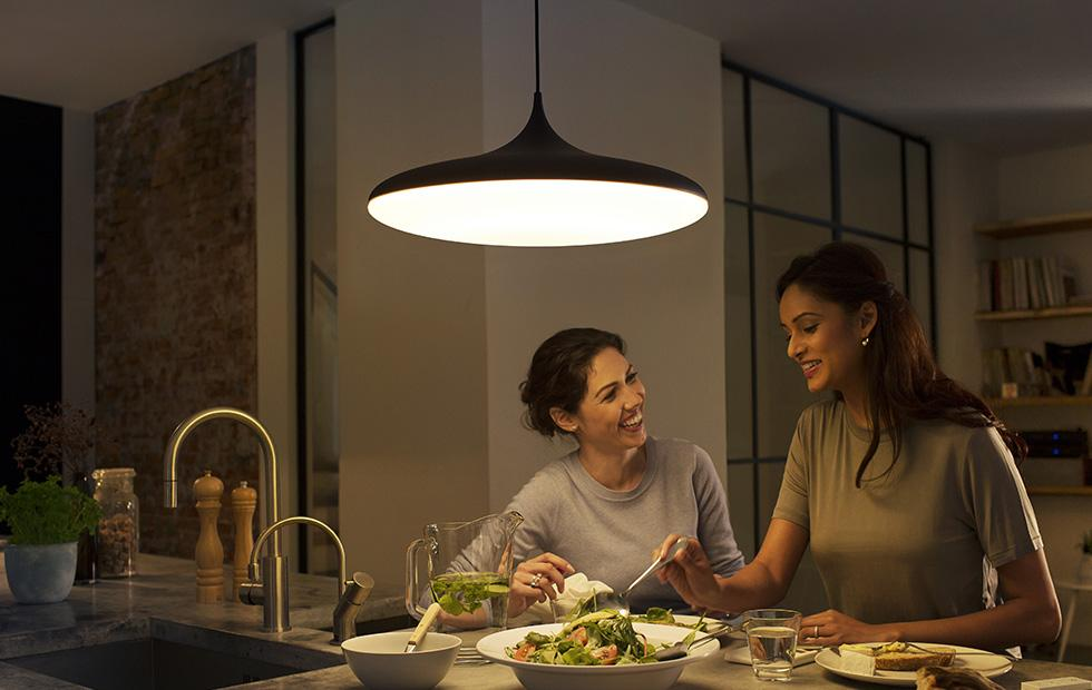 Philips' new Hue starter kits simplify the smart home lighting transition