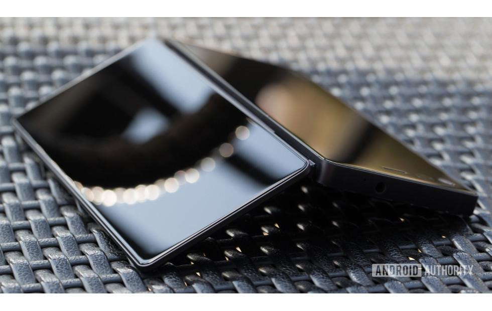 ZTE Axon M foldable phone might not look that bad