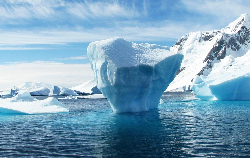 Antarctica's Pine Island Glacier just lost a 100 square mile chunk of ice