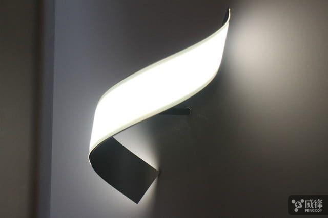 Lg S Flexible Oled Lamps Aim To Make Lightbulbs Obsolete